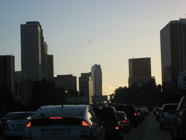 遠くに見えるリッツカールトンロサンゼルス