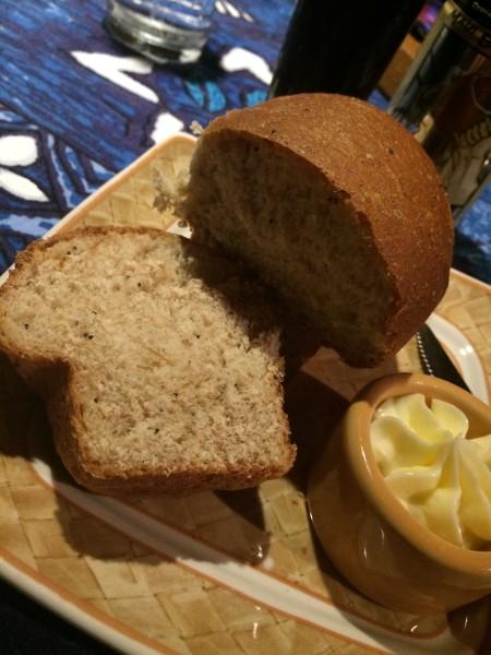 つけあわせのパン2