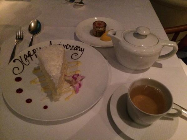 ココナッツケーキと紅茶