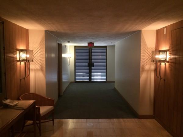 ハレクラニ・エレベーター前