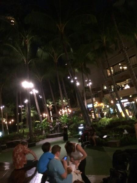 ロイヤルハワイアンショッピングセンターの中庭(?)