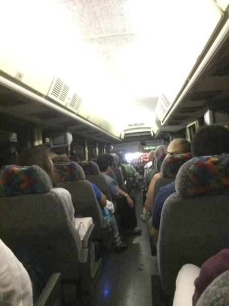 帰りのバス車内