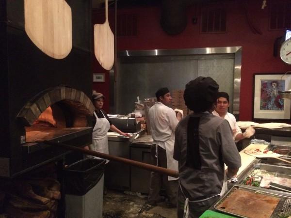 The Luggage Room Pizzeriaの石釜