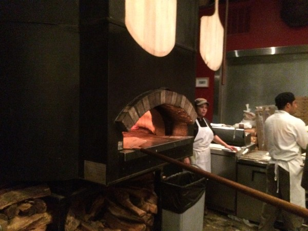 The Luggage Room Pizzeria 石窯