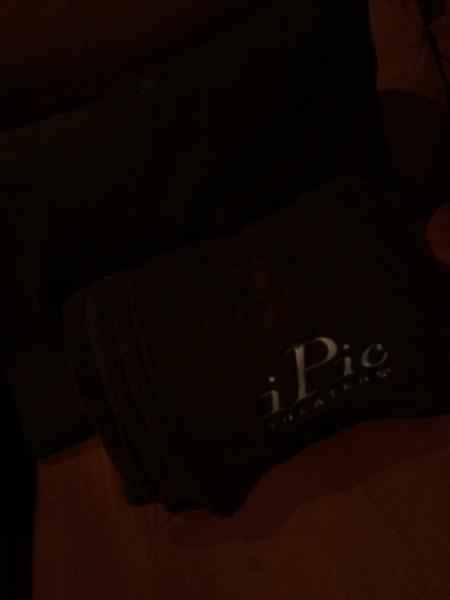 iPic Theater 座席のブランケット