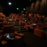 たった30席でお酒も?!超ラグジュアリー映画館、iPicシアター!
