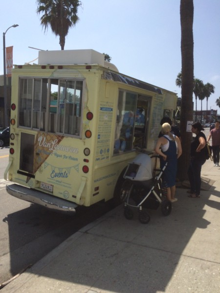 アイスクリームトラック