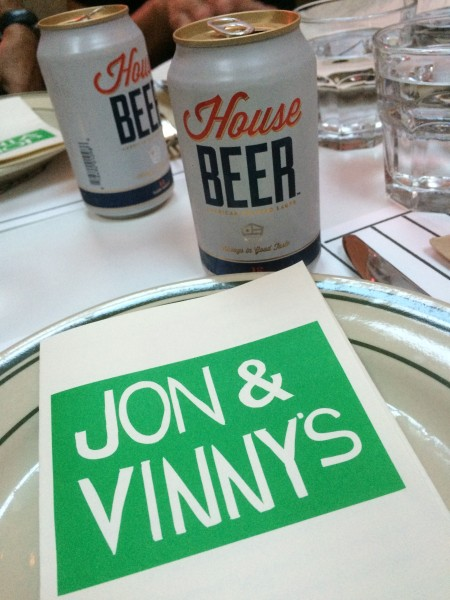 Jon and Vinnysメニューとハウスビア